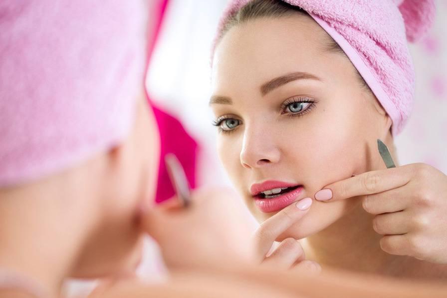 当粉刺出现时,不要慌:使用正确的方法!
